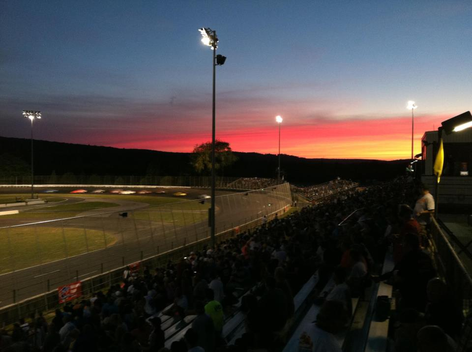 Stafford motor speedway releases 2014 racing schedule for Stafford motor speedway schedule