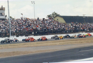Legends cars compete at Stafford Motor Speedway (Photo: Stafford Motor Speedway)