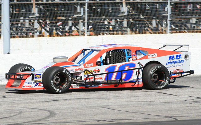 The Flamingo Motorsports Modified on the Whelen Modified Tour (Photo: Stafford Motor Speedway)