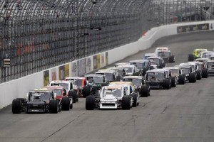 The NASCAR Whelen Modified Tour in action at New Hampshire Motor Speedway (Photo: New Hampshire Motor Speedway)