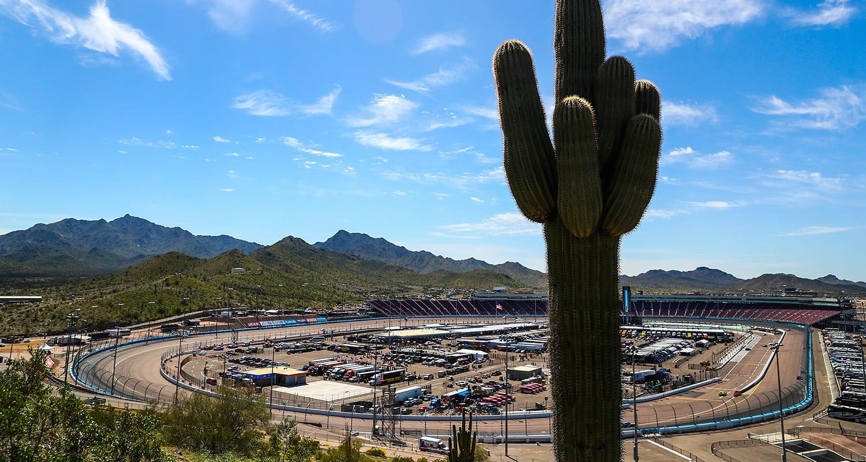 500 miles_Weekend Preview: NASCAR Finale Weekend At Phoenix Raceway | RaceDayCT.com